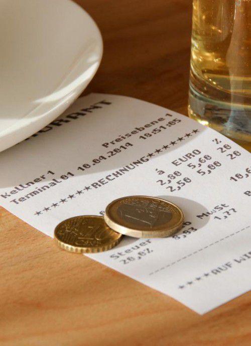Wird der Kaffee von Gastwirten im Freien serviert, kann unter gewissen Bedingungen die Registrierkassenpflicht nun entfallen.