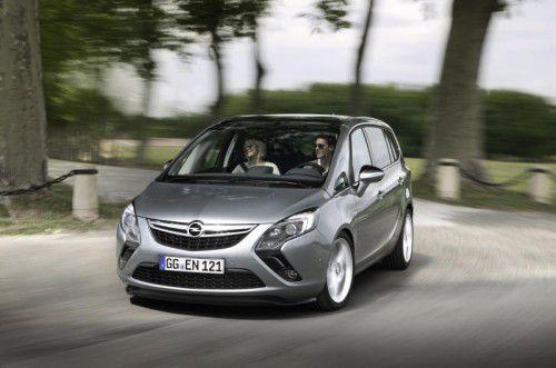 Opel Zafira Tourer: Packt bis zu sieben Personen unter sein Dach und ufert dabei beim Treibstoffverbrauch nicht aus.