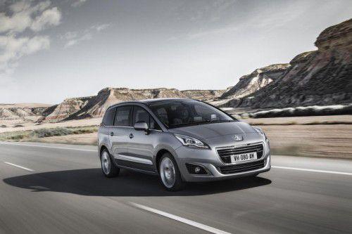 Peugeot 5008: Abgesehen von einem Optik-Update 2013 versieht der Familien-Transporter seit 2009 unverändert seinen Dienst.