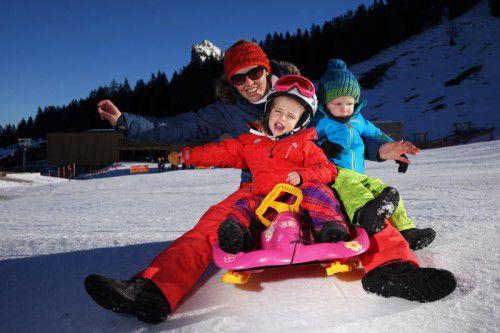 Schnee bleibt in niedrigen Lagen Mangelware. Für das Wintersportvergnügen sind nur höher gelegene Regionen gerüstet.