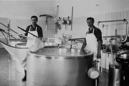 Um 1930 war Sennen noch reinste Handarbeit.