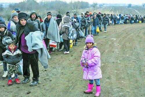 Viele Flüchtende suchen eine neue Heimat, der Streit um Obergrenzen lässt Mitgefühl schwinden.