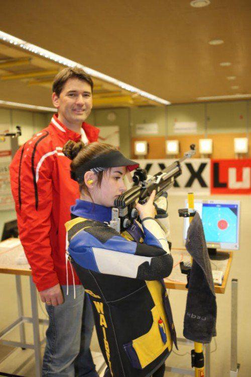 Wolfram Waibel junior beim Training mit Tochter Sheileen.