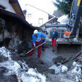 Mure donnert gegen Wohnhaus am Arlberg