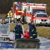 Einsatzkräfte der Wasserwacht waren ebenso zur Stelle.