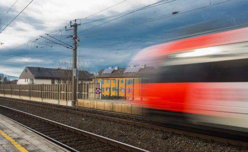 """Mit 289.336 Euro förderte das Land """"Lärmschutzmaßnahmen entlang von Bahnlinien"""". Foto: VN/Steurer"""