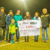 Altachs Altherren übergaben 3000-Euro-Scheck