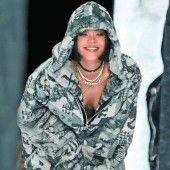 Rihanna stellt erste Modekollektion vor