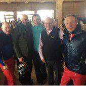 Ehemalige Skigrößen genießen Wintertage in Lech