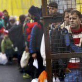 18 Migranten haben um Asyl angesucht