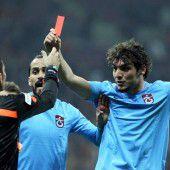 Rote Karte für den Referee