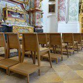 Stühle aus Vorarlberg für Gott und die Welt