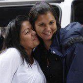 Schwestern nach 30 Jahren wieder vereint