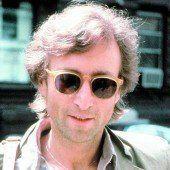 Haarlocke von John Lennon versteigert