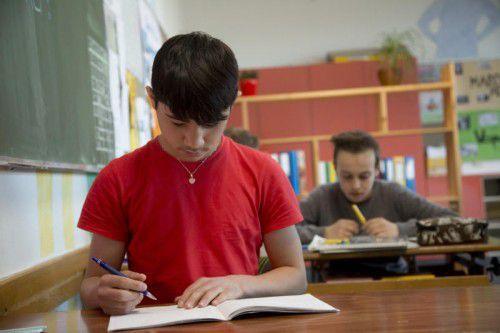 Menschen ohne Deutsch als Muttersprache müssen anders unterrichtet werden. Mittlerweile gibt es spezielle Kurse dafür.