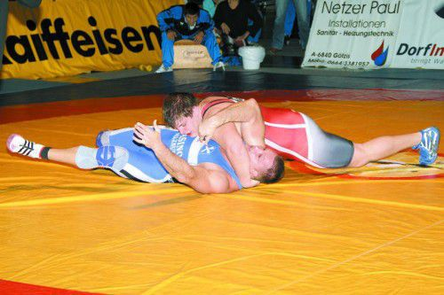 Nach dem vierten ÖM-Titel in Serie warten auf Lukas Hörmann (rotes Trikot) in der Olympia-Quali richtig schwere Aufgaben.