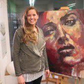 Künstlerin aus Dornbirn zeigt ihre Bilder
