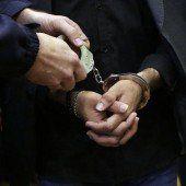 Haftstrafen für fünf Schlepper