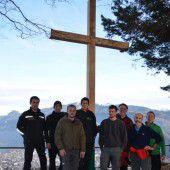 Kummenberg bekam neues Gipfelkreuz