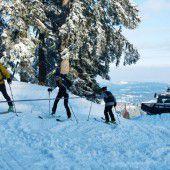 Skitouren auf den Pisten bergen Gefahren