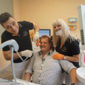 Mallorca-Jens lässt den Zahnarzt in Bregenz ran