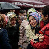 Regierung verdächtigt PKK