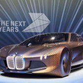 BMW gibt zum Jubiläum Ausblick in die Zukunft