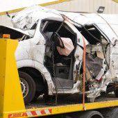 Busunglück fordert zwölf Todesopfer
