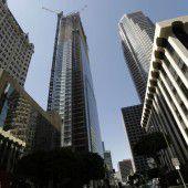 Bauarbeiter stürzt  von Wolkenkratzer