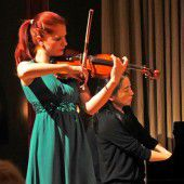 Virtuose Geigerinnen reißen bei Festival mit