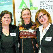 Frauen im Mittelpunkt eines Symposiums