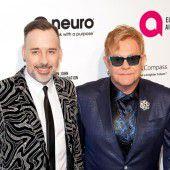 Elton John bestreitet sexuelle Belästigung