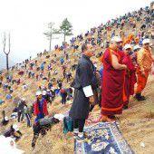Bhutans Bürger pflanzen Bäume für den neugeborenen Prinzen