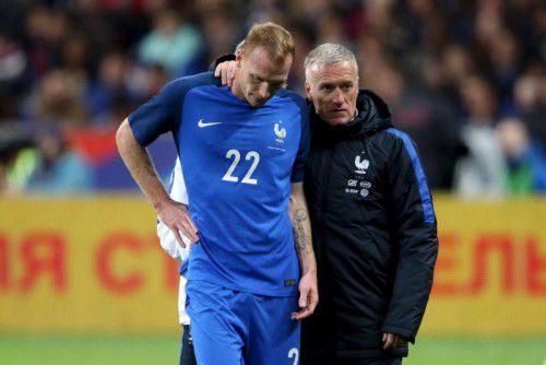 Jeremy Mathieu mit Trainer Didier Deschamps.