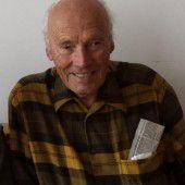 88-Jähriger ging mit Schirm auf jungen Messerstecher los