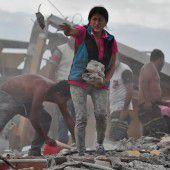 Ecuador nach Erdbeben auf Hilfe angewiesen