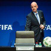 Razzia in UEFA-Zentrale, auch FIFA-Chef im Visier