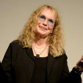 Mia Farrow wird zum zehnten Mal Oma