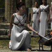 Olympische Flamme auf Reise nach Rio