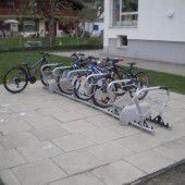 Fahrräder in Bludesch parken nun bequemer