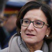 Innenministerin fordert von Italiens Regierung lückenlose Registrierung