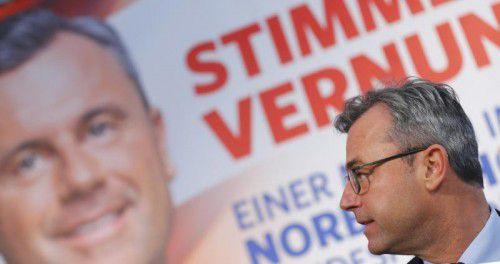 Norbert Hofer präsentierte am Freitag seine Plakatkampagne für die Stichwahl um das Amt des Bundespräsidenten.