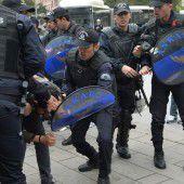Streit um islamische Verfassung für Türkei