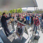 Lugner gegen TTIP und für Sonntagsöffnung