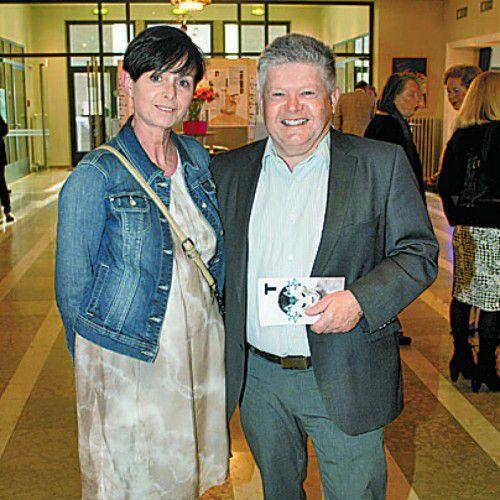 Unter den Gästen: Edi Engler mit Cornelia.