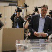 Regierungschef Vucic vor haushohem Sieg