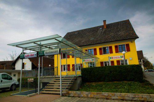 Zuletzt eine Pizzeria, ab 11. April ein Heim für unbegleitete minderjährige Flüchtlinge: die ehemalige Krone in Lauterach.