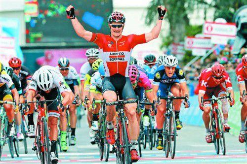 Andre Greipel gibt dem Giro-Feld das Nachsehen.