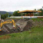 Bauarbeiten an  Mäders Grenze  angelaufen