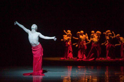 """Das Ensemble """"Shen Wei Dance Arts"""" gastierte erstmals in Österreich."""